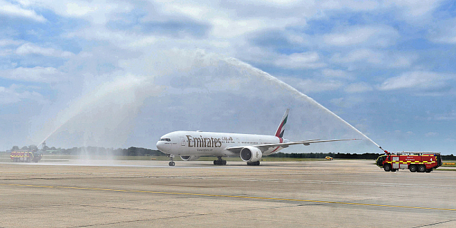 Emirates Dubaj Londyn Stansted