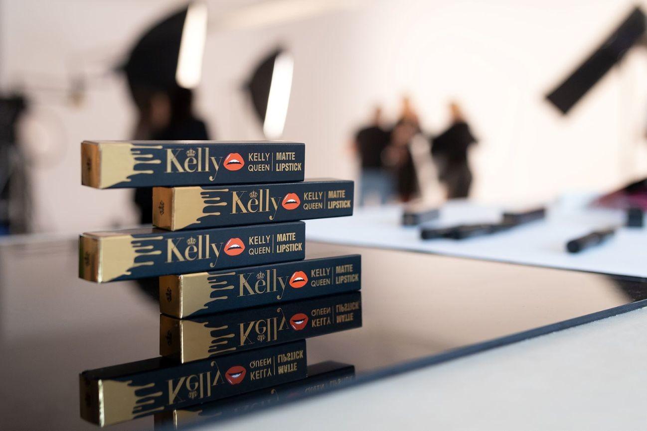 Kelly Couronne lipstick